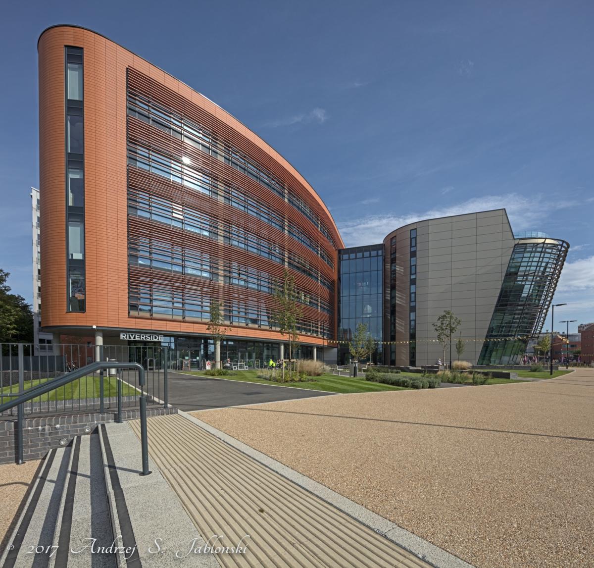 De-Montfort University